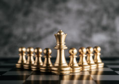 https://anahr.ro/wp-content/uploads/2018/12/gold-chess-chess-board-game-business-metaphor-leadership-concept-1-236x168.jpg
